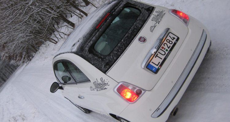 20110223_Fiat_500C_TwinAir_23