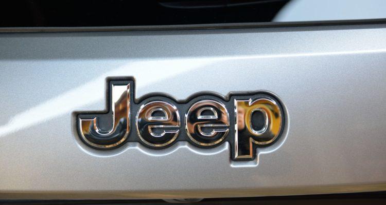 20131115_Jeep_Grand_Cherokee_03