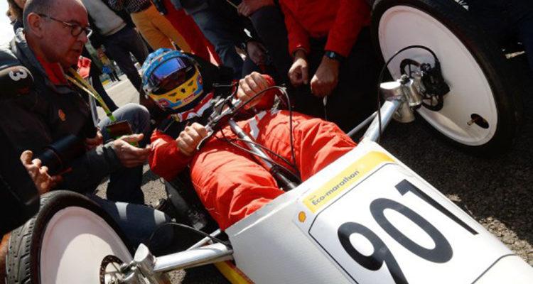 20140829_Shell_Eco_Marathon_Alonso_Raikkonen_Ferrari_2