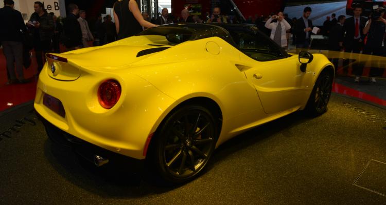 20150302_Alfa_Romeo_4C_Spider_Genf_2015_01