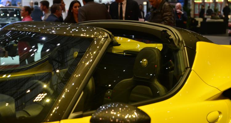 20150302_Alfa_Romeo_4C_Spider_Genf_2015_04