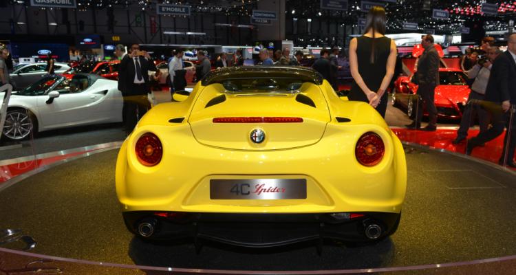 20150302_Alfa_Romeo_4C_Spider_Genf_2015_09