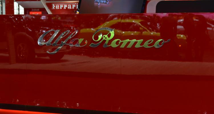 20150302_Alfa_Romeo_stand_Genf_2015_06
