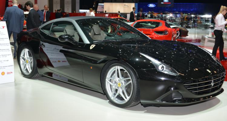 20150302_Ferrari_stand_Genf_2015_03