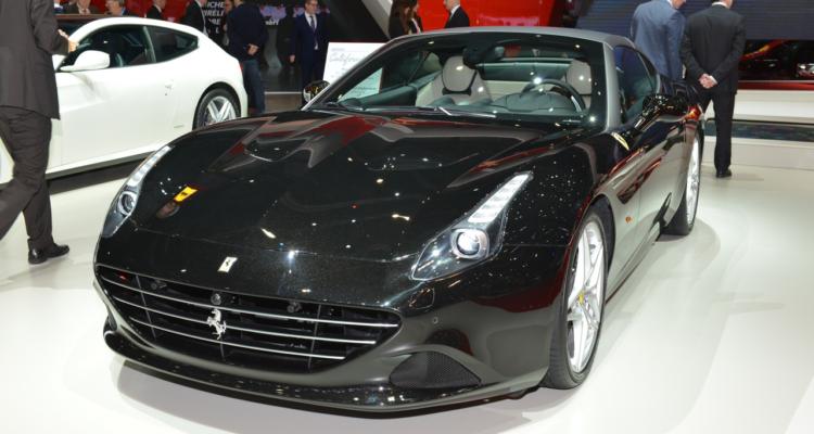 20150302_Ferrari_stand_Genf_2015_04