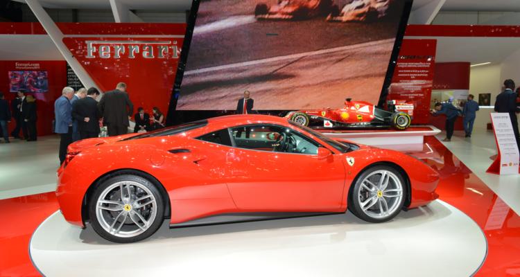20150302_Ferrari_stand_Genf_2015_06