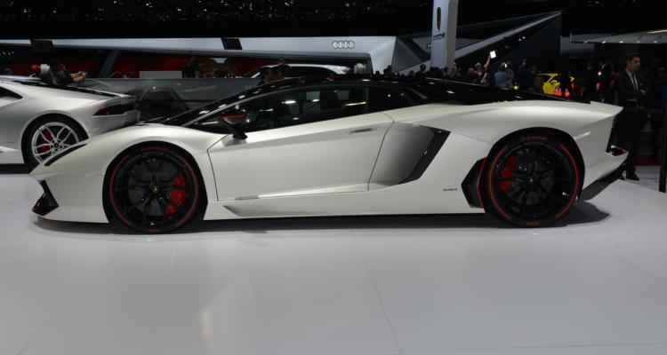 20150302_Lamborghini_stand_Genf_2015_05