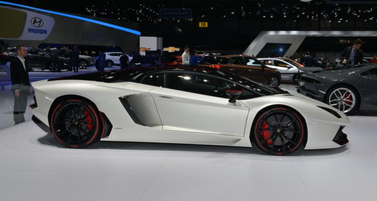 20150302_Lamborghini_stand_Genf_2015_11