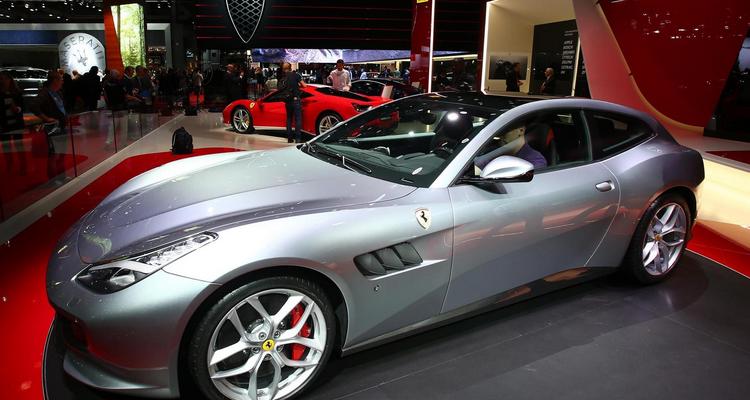 20160929_Ferrari_GTC4_Lusso_T_01