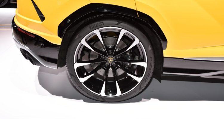 20180308_Lamborghini_Urus_03