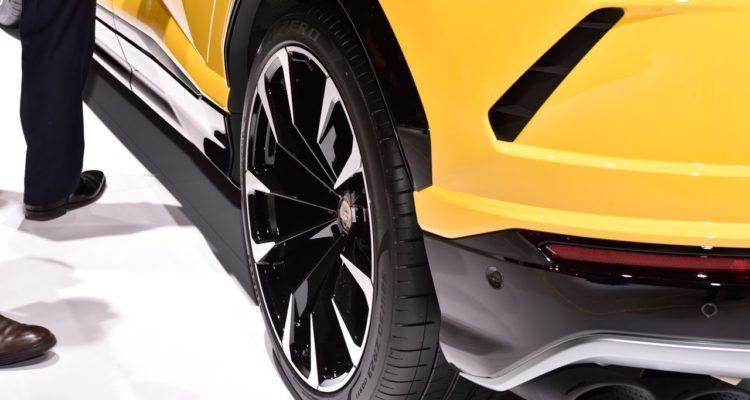 20180308_Lamborghini_Urus_07