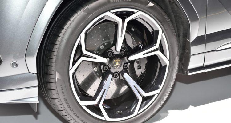 20180308_Lamborghini_Urus_13