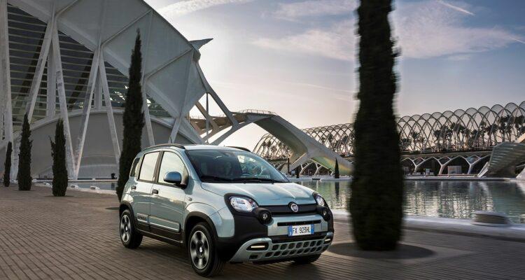 20200110_Fiat_Panda_Hybrid_05