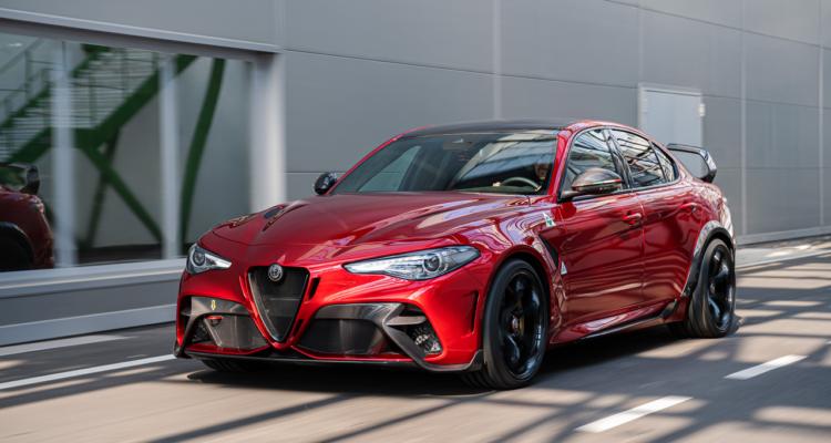 20200302_Alfa_Romeo_Giulia_GTAm_01