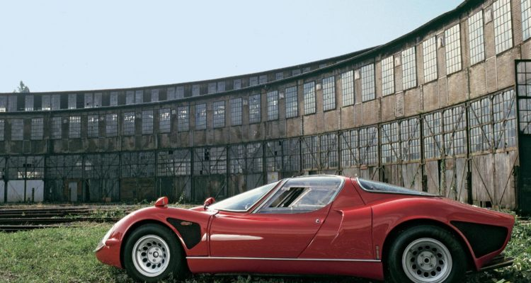 Alfa_Romeo_33_Stradale_03
