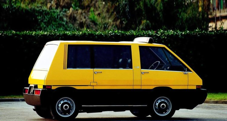 Alfa_Romeo_New_York_Taxi_02